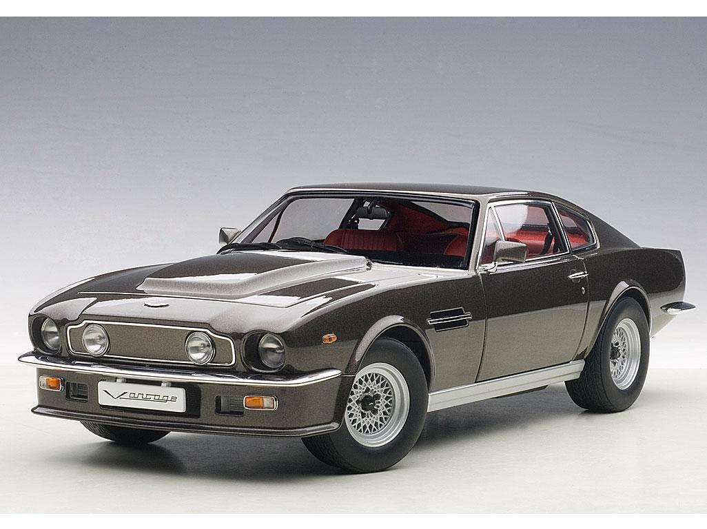 Aston Martin V8 Vantage 1985 Cumberland Grey Die Cast Model Autoart 70221