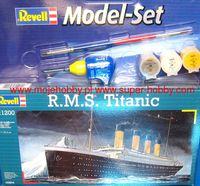 RMS Titanic Model Gift Set - Image 1